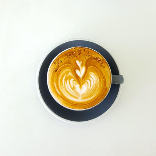 billede af en kop kaffe: Men drik ikke koffein om aftenen, da det kan give dårlig søvn.