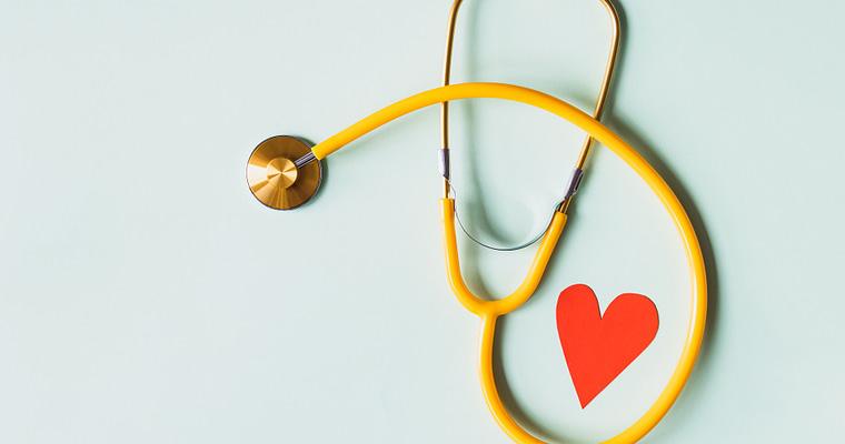 billede af stetoskop og hjerte